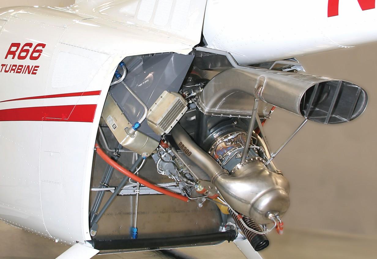 罗宾逊直升机     专门为r66设计的rr300发动机使用